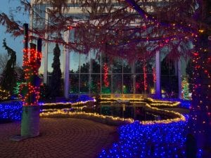 Quad-Cities' Folks Can Still Get That Holiday Feeling At Lighting Displays Up Around The Area
